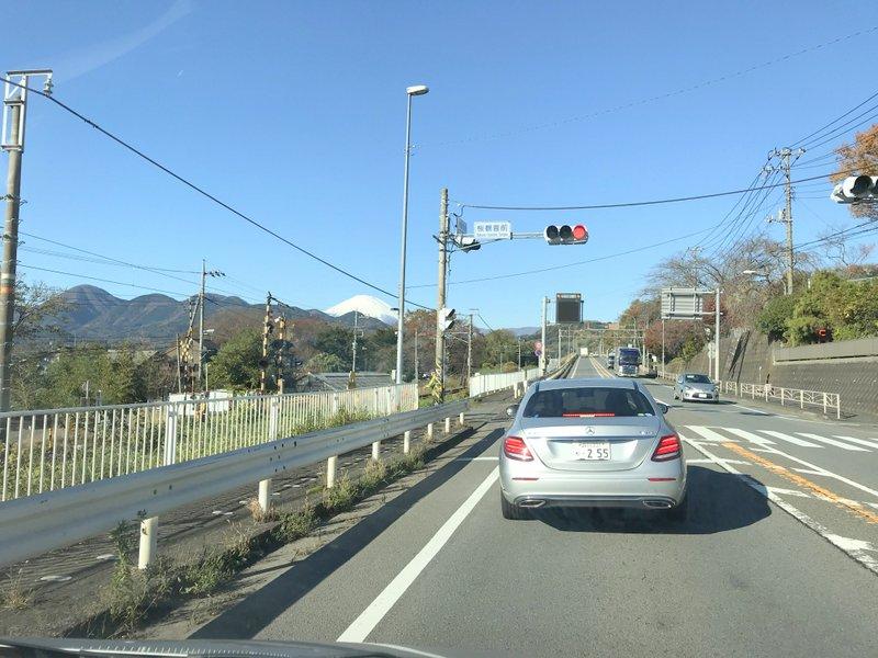 晴れていて富士山が車から綺麗に見えました
